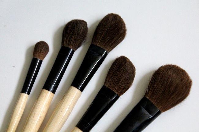 The Make Up Brush Debate – Real Fur vs Synthetic