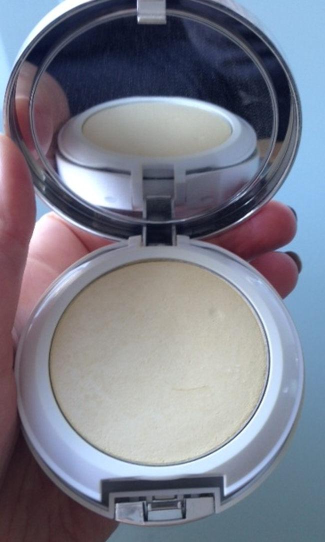 clinique redness pressed powder 2