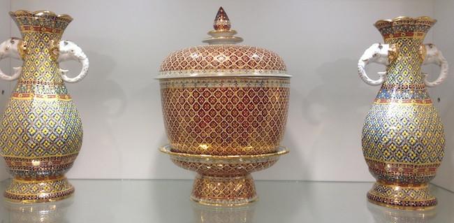 thailand pottery benjarong