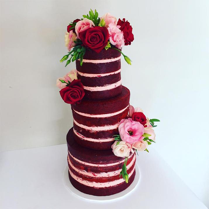 naked-cake-wedding-cake-red-velvet